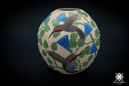 Ricardo Delgado: Hummingbirds (Mata Ortiz)