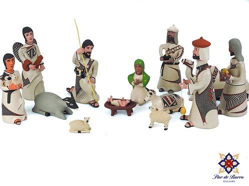Jerardo Tena: Mata Ortiz Nativity Scene