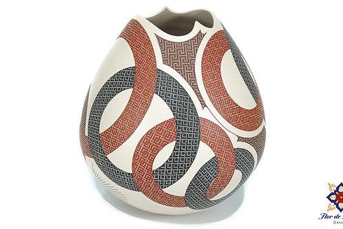 Circles by Elias Peña (Mata Ortiz)