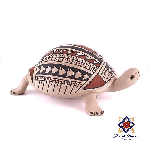 Lourdes Villalba: Clay Turtle