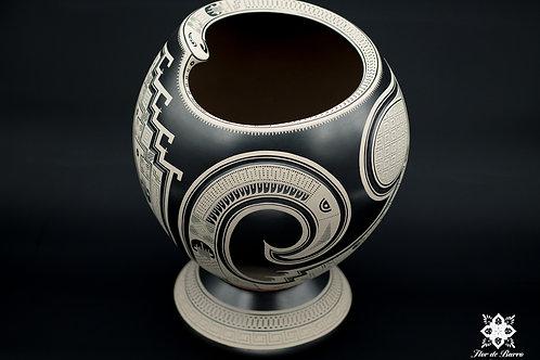 Tavo Silveira: Black and White Mata Ortiz Pot