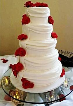 Roses Wedding cake.jpg 2014-12-1-19:56:26