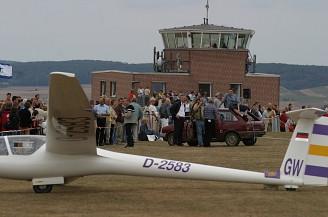 flugplatz-900000779-23910-12.jpg