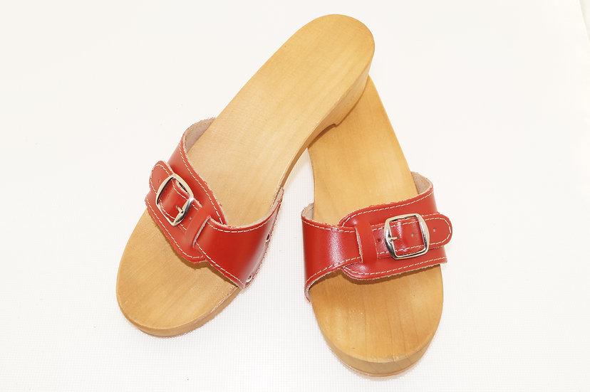 Sandale in Rot mit Absatz