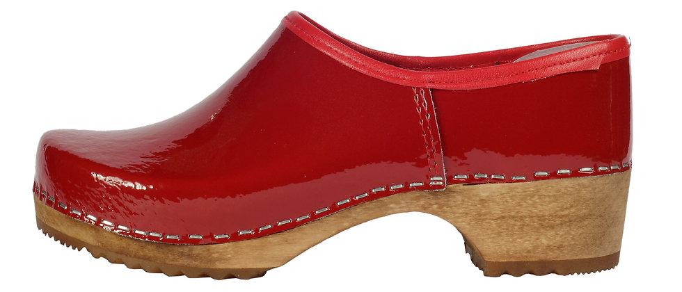 Holzschuhe in Rot Lack und geschlossener Ferse
