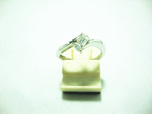 18K WHITE GOLD DIA RING 1/10P 2/20P