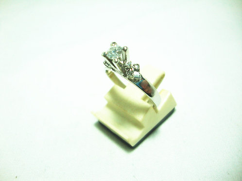 9K WHITE GOLD DIA RING 1/34P 6/12P