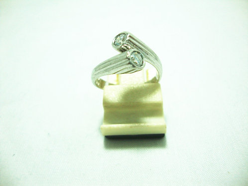 PLATINUM 900 WHITE GOLD DIA RING 2/40P