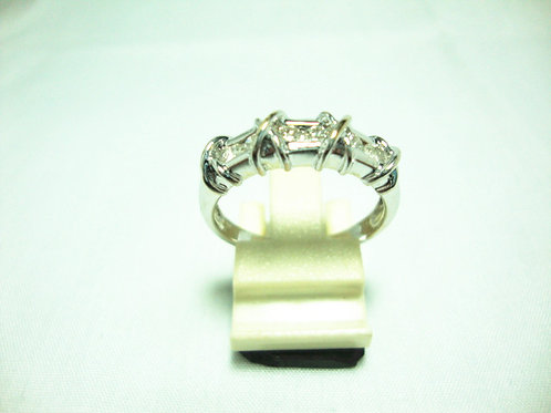 18K WHITE GOLD DIA RING 6/30P