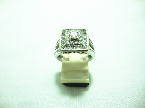 18K WHITE GOLD DIA RING 1/25P 12/36P T98/196P