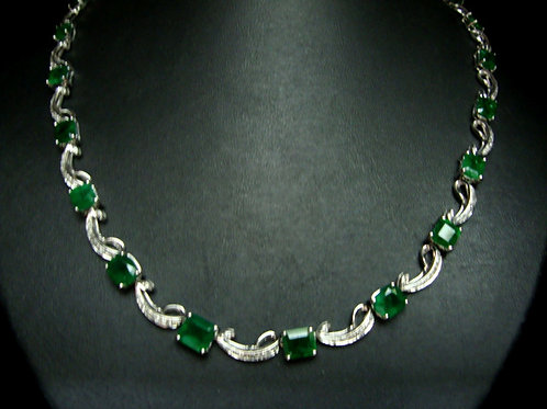 9K WHITE GOLD DIA EMERALD NECKLACE 182/368P