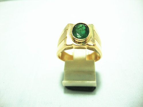 916 GOLD EMERALD RING