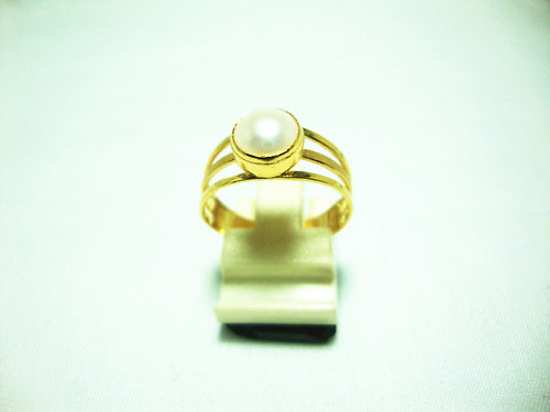 916 GOLD PEARL RING