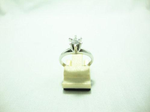 PT900 WHITE GOLD DIA RING 1/23P