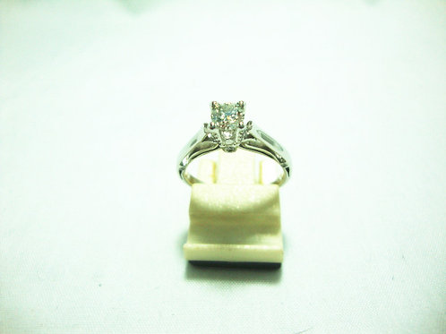 18K WHITE GOLD DIA RING 1/30P 2/2P 1/20P