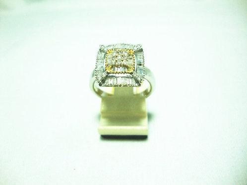18K WHITE GOLD DIA RING 17/17P 40/80P