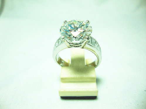 18K WHITE GOLD DIA RING 1/5.03CT T8/220P ( CERT )