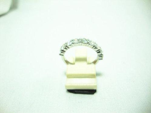 PT850 WHITE GOLD DIA RING 9/180P