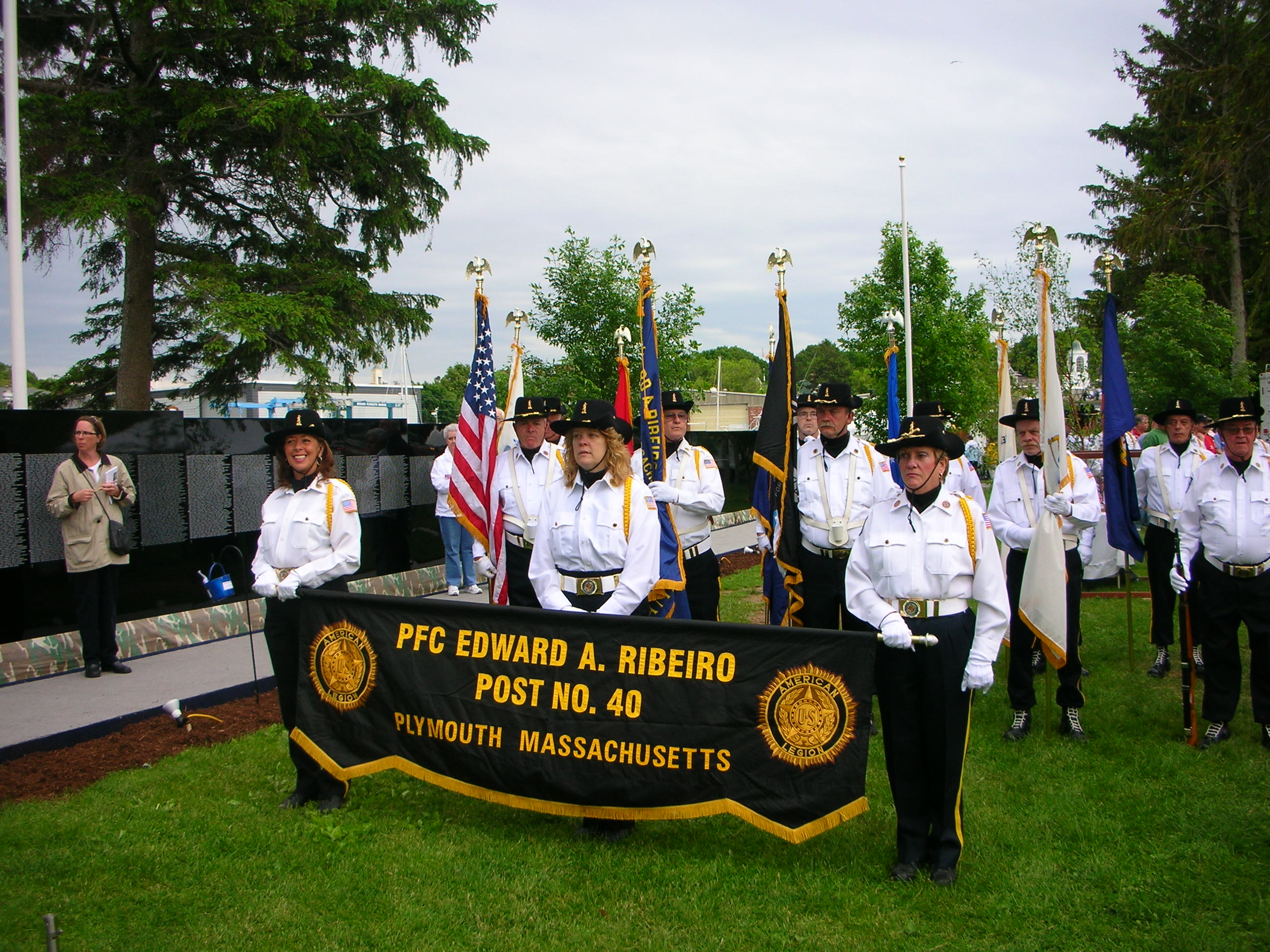 Color Guard at the Wall 2009.JPG