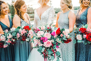 montgomery texas wedding florist, iron manor, wedding flowers, cascading bouquet, bridal party flowers