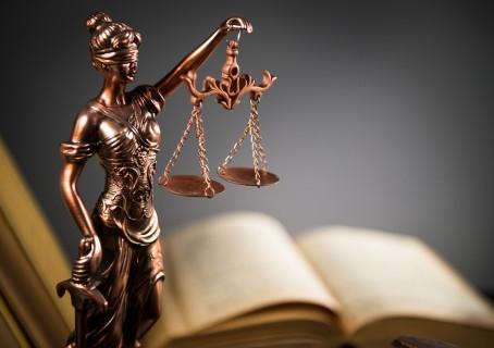 """პოზიტივიზმი და """"ზნეობრივი კანონი"""""""