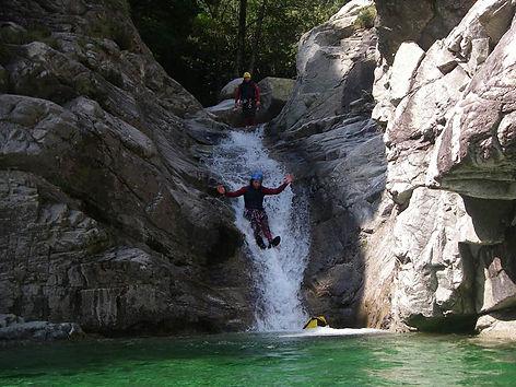 descenso de barrancos asturaventura.jpg