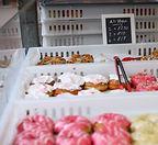 vegan dougnuts at vegan market