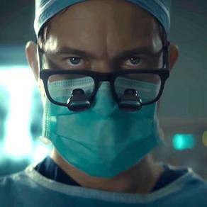 Joshua Jackson è un tragico e agghiacciante Dr. Death