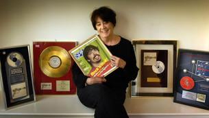 La mamá de Dave Grohl escribió un libro sobre las madres de las estrellas del rock