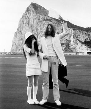 Yoko Ono relanzará 'Wedding Álbum' con John Lennon