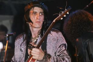 Izzy Stradlin le respondió a Axl y explicó por qué no forma parte del regreso de los Guns N' Roses