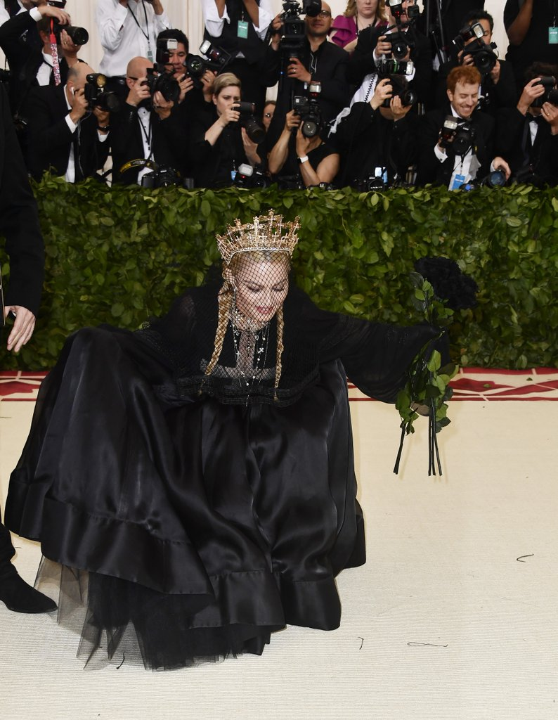 Madonna-Jean-Paul-Gaultier-Met-Gala-Dress-2018 (1)