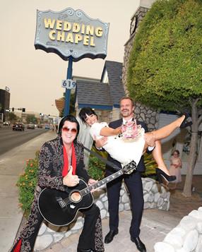 Lily Allen y David Harbour dieron el sí en Las Vegas