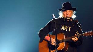 Neil Young publica disco en diciembre