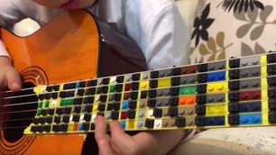 Cómo suena la guitarra hecha con Legos