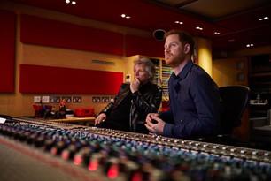 Bon Jovilanzó la canción grabada junto alpríncipe Harry