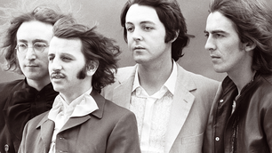El manuscrito de Hey Jude, de Los Beatles, fue subastado por una importante suma.