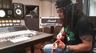 Slash trabaja en un nuevo álbum solista