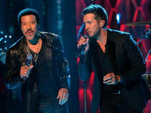 Lionel Richie y Luke Bryan, en un dueto en Las Vegas.