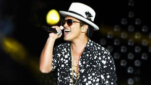 Bruno Mars sorprendió a todos con su cambio físico