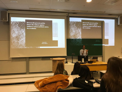 Eihlam presenting about the recent events in Sudan at Amnesty International's Human Rights Week in Stavanger, 2019
