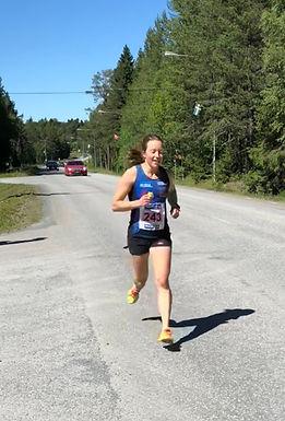 Sterk 10 000m-løping av Laila Kveli under Jämtland-Härjedalens DM/VDM!