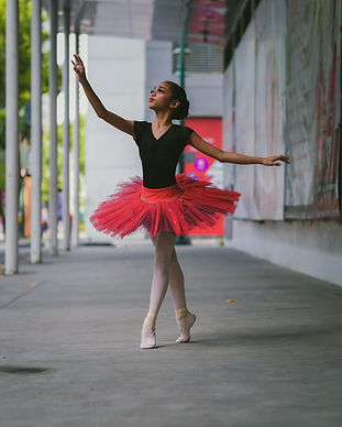 ballerina-wearing-red-tutu-skirt-3152430