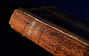"""a href=""""http://www.flickr.com/photos/50830796@N04/25334293033"""">Grandpa's old Bible via photopin (license)</a"""