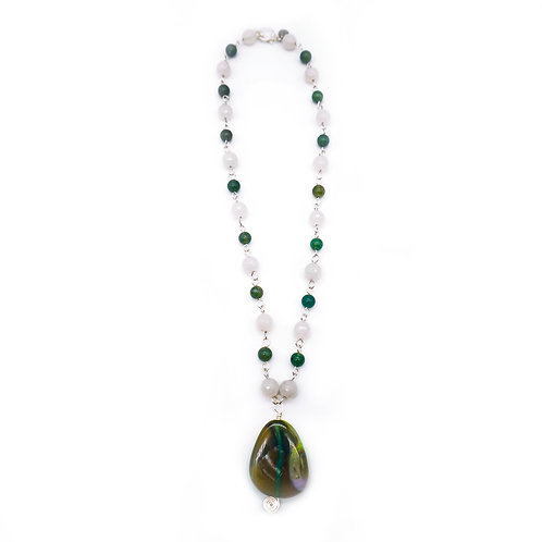Green & White Agate Pendant Necklace