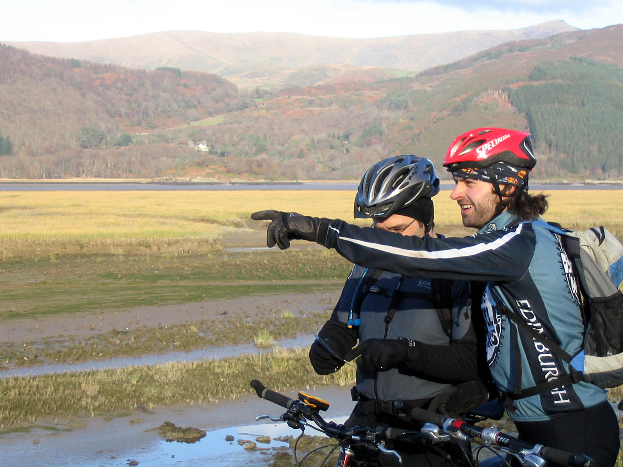 Bikers on Mawddach-2