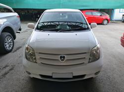 Toyota Ist White 06