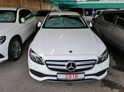 Mercedes E220d White 02