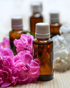 essential-oils-1433694_1280_edited.jpg