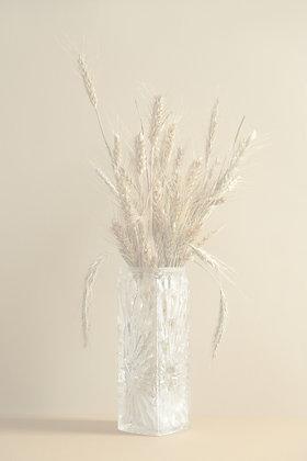 Vase en verre moulé